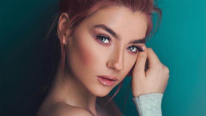 Ilustrasi makeup. (Photo by Ali Pazani from Pexels)