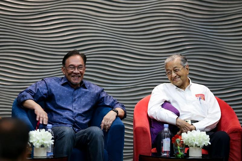 Dr Mahathir is mounting yet another attempt to return as the PM but support for this is divided between those backing him such as DAP and Warisan on one side and PKR that insists on Anwar being the sole candidate for the post on the other. — Picture by Ahmad Zamzahuri