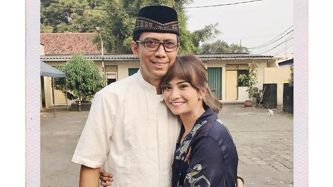 Tak Tahu Anaknya Menikah, Ini 5 Momen Mesra Vanessa Angel Bareng Ayah (sumber: vanessaangelofficial)
