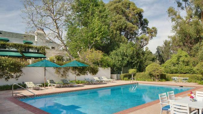 Rumah Taylor Swift di Beverly Hills, Los Angeles, California, Amerika Serikat. (dok. laman TopTenRealEstateDeals)