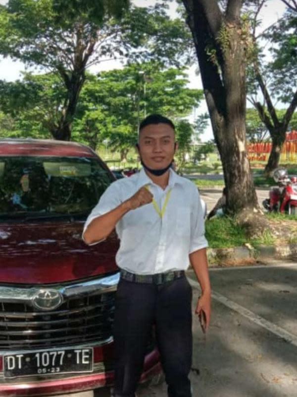 Akmal Tri Jaya berhasil menunaikan janjinya dengan berhasil lolos mengikuti pendidikan Bintara Prajurit Karir Reguler TNI Angkatan Darat (AD) 2020. (Istimewa)