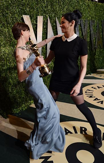 2013 Vanity Fair Oscar Party Hosted By Graydon Carter - Roaming Arrivals: Anne Hathaway and Sarah Silverman