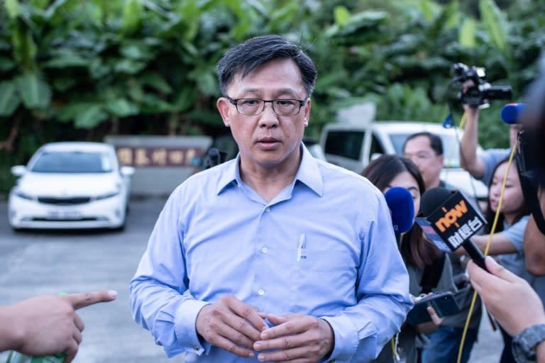 Politisi pro-Beijing terluka ditusuk di Hong Kong
