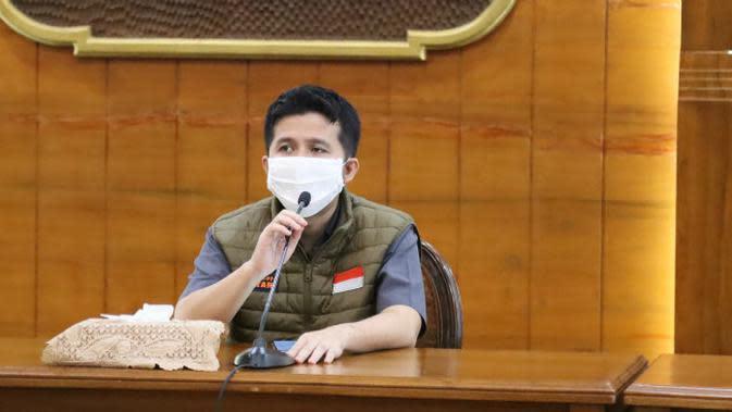 Konferensi pers perkembangan kasus virus corona baru yang memicu COVID-19 di Gedung Grahadi, Minggu (3/5/2020) (Foto: Liputan6.com/Dian Kurniawan)