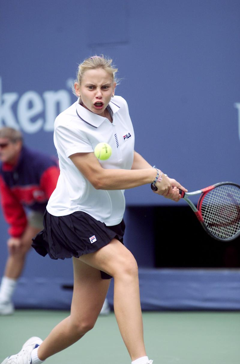 Jelena Dokic playing tennis in 1999