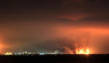 印尼最大煉油廠發生嚴重火災 5人受傷、近千居民緊急撤離
