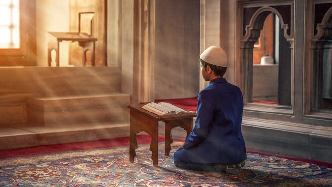 Ilustrasi Membaca Al-Quran | Credit: pexels.com/Abdullah