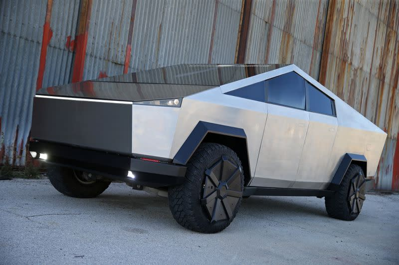 Bosnian Tesla fan impatient for Cybertruck release builds a lookalike