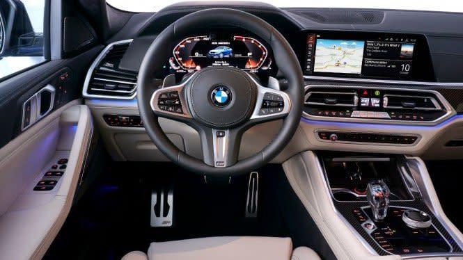 BMW Seri Ini Bisa Dihidupkan Pakai iPhone