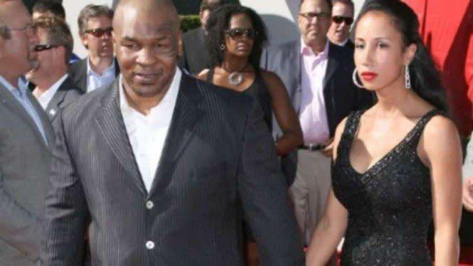 Kisah Mike Tyson Kejutkan Undangan dengan Pernikahan Islam