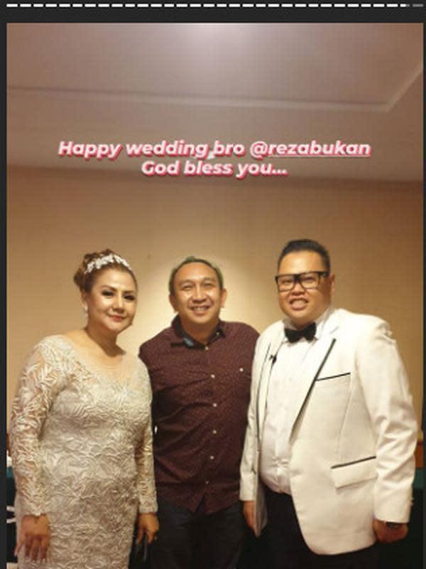 Reza Bukan Menikah (Sumber: Instagram/augiefantinus/