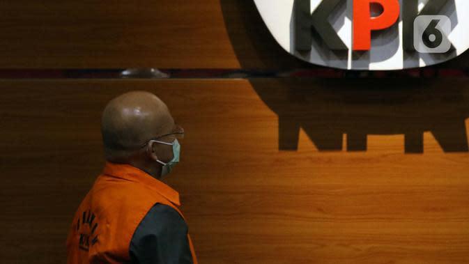 Direktur PT Humpuss Transportasi Kimia (HTK) Taufik Agustono saat dihadirkan dalam rilis penahanan tersangka kasus suap kerjasama pengangkutan bidang pelayaran di Gedung KPK, Jakarta, Jumat (26/6/2020). Taufik Agustono akan menjalani masa penahanan di Rutan KPK C1. (Liputan6.com/Helmi Fithriansyah)