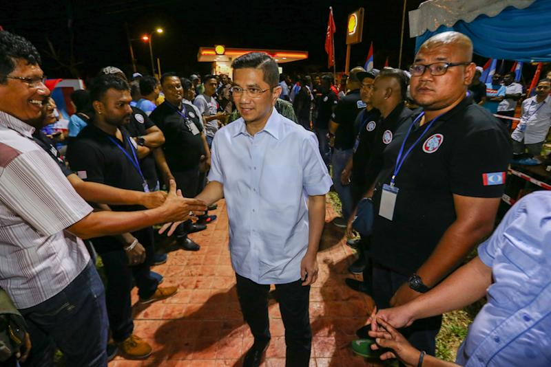 Datuk Seri Azmin Ali said the cost of living allowance and advance loan payments for Felda settlers amounting to RM1,500 will continue. — Picture by Hari Anggara