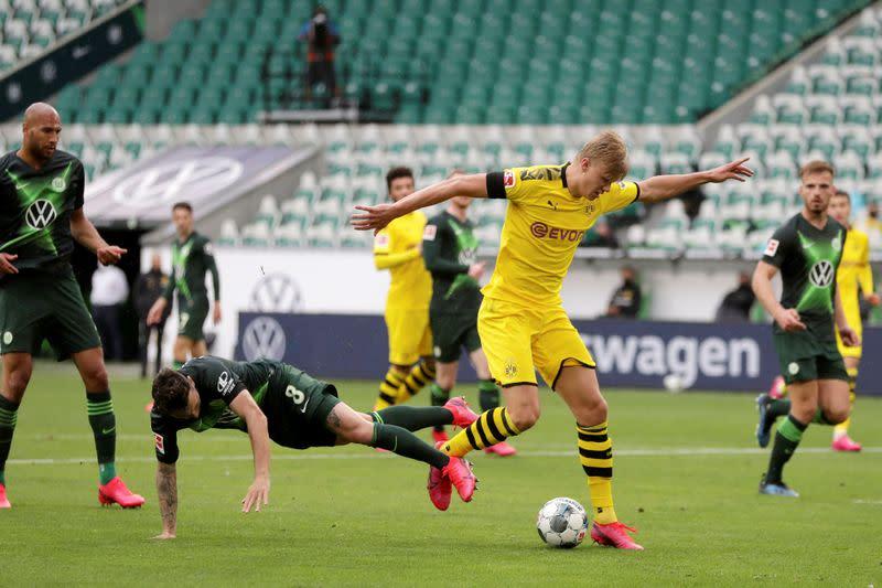 Bundesliga - VfL Wolfsburg v Borussia Dortmund