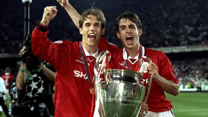 Gary Neville dan Phil Neville