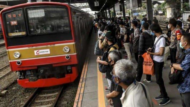 PT KCI Tambah Perjalanan KRL demi Tingkatkan Jaga Jarak