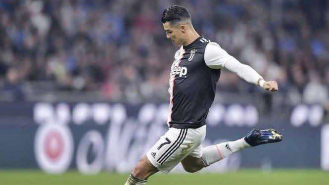 3 Tahun Penantian Ronaldo, Akhirnya Bikin Gol Tendangan Bebas