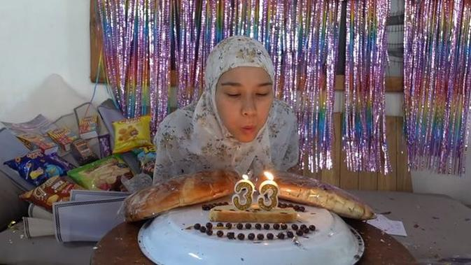 Momen Ulang Tahun Zaskia Adya Mecca yang ke-33. (Sumber: youtube.com/The Bramantyo)
