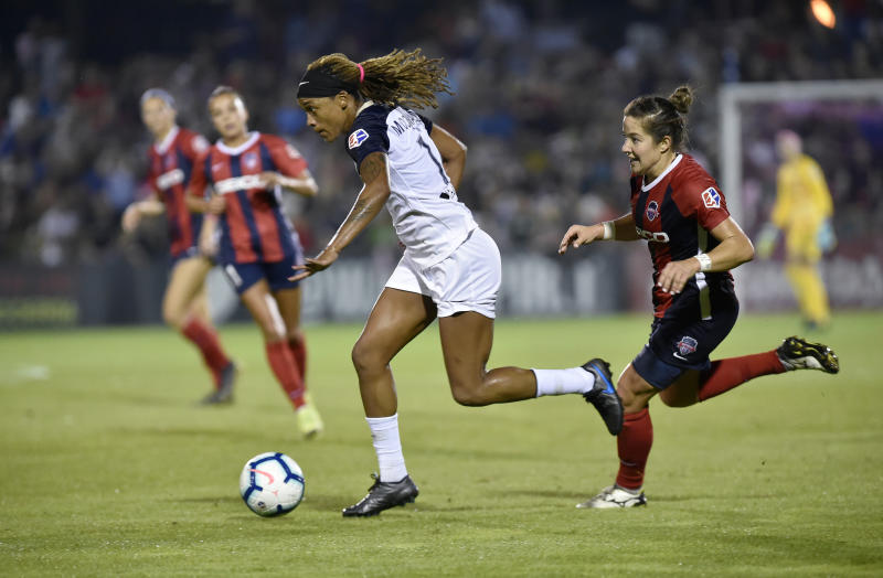 BOYDS, MD - SEPTEMBER 28: North Carolina Courage forward Jessica McDonald (14) dribbles past Washington Spirit defender Paige Nielsen (14) during the North Carolina Courage vs. Washington Spirit National Womens Soccer League (NWSL) game September 28, 2019 at Maureen Hendricks Field in Boyds, MD. (Photo by Randy Litzinger/Icon Sportswire via Getty Images)