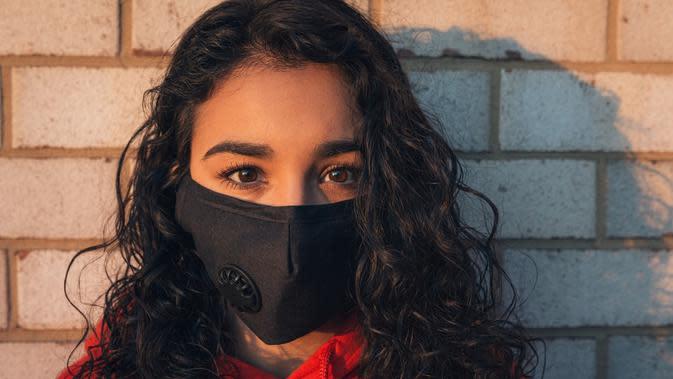 Mau Uji Kemampuan Masker, Cukup dengan Tiup Lilin