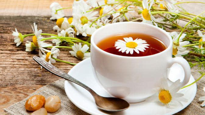Chamomile tea.  via: indiatimes.com