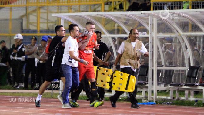 Adam Mitter Puji Habis Fans Indonesia di Media Inggris