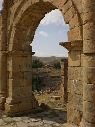 مدينة جميلة الاثرية....اثار رومانية غاية في الروعة. 1603717299_f2f1d0651