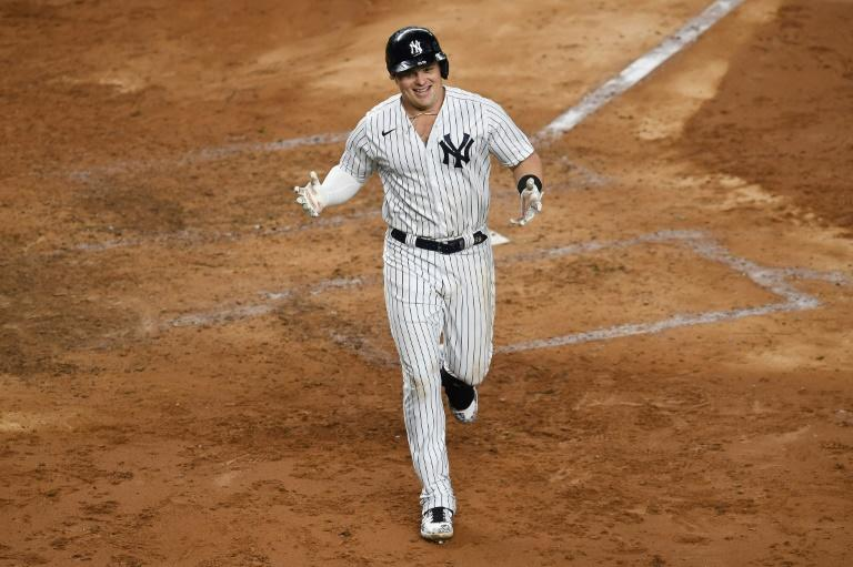 Yankees explode for club-record five homers in fourth in win over Jays