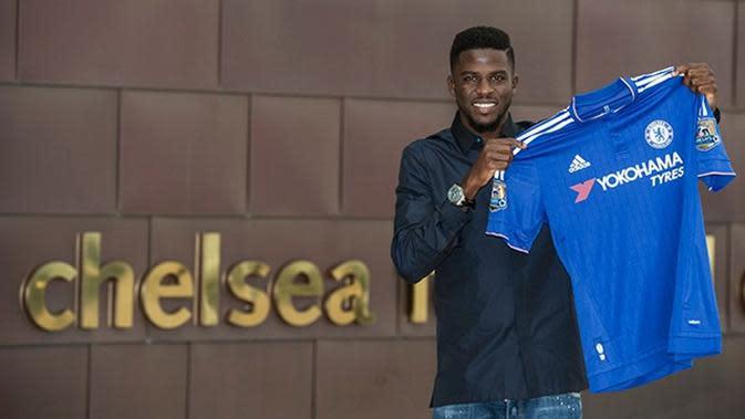 Lazio siap menyelamatkan karier bek Chelsea, Papy Djilobodji, pada bursa transfer Januari 2016. (Chelseafc.com)