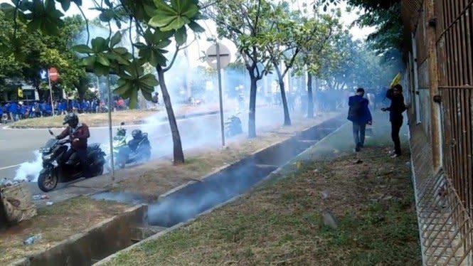 Demo Omnibus Law di Bekasi Ricuh, Sejumlah Pengunjuk Rasa Luka-luka