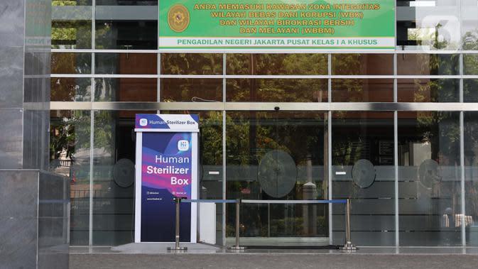 Suasana lobby Pengadilan Negeri Jakarta Pusat, Rabu (7/10/2020). Pengadilan Negeri Jakarta Pusat menghentikan aktivitas selama tiga hari terhitung Rabu 7 Oktober hingga 9 Oktober 2020 karena adanya hasil tes pegawai yang reaktif COVID-19. (Liputan6.com/Helmi Fithriansyah)