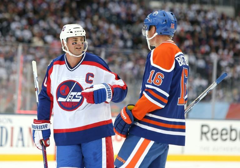 Former NHL star Hawerchuk dies of cancer at 57