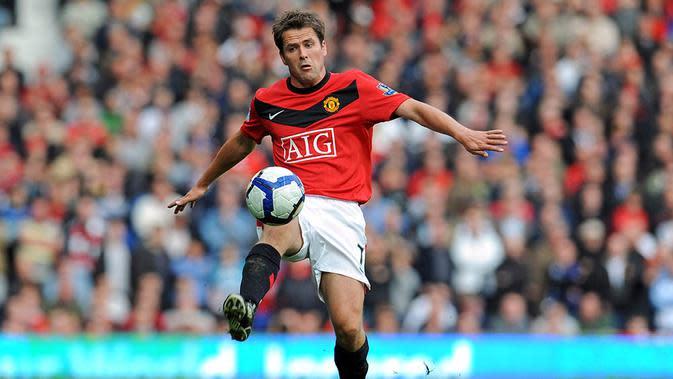 Michael Owen, diboyong dari Newcastle, peraih Ballon d'Or 2001 itu gagal menunjukan tajinya. Ex bintang Liverpool ini hanya tampil sebanyak 52 kali dan mencetak 17 gol, angka yang rendah untuk ukuran striker di klub sebesar MU. (AFP/Paul Ellis)