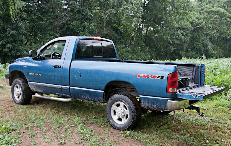 Pickup truck tailgates: easy to steal, thefts on the rise
