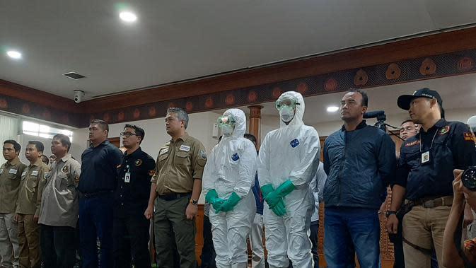 Total tim evakuasi yang berangkat adalah 42 orang. Terdiri dari petugas dari TNI, Kemenlu, Kemenkes, dan kru maskapai Lion Group. (Foto: Liputan6/Pramita Tristiawati)