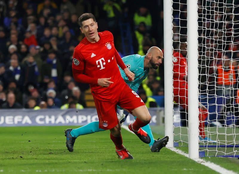 Bayern striker Lewandowski out for a month