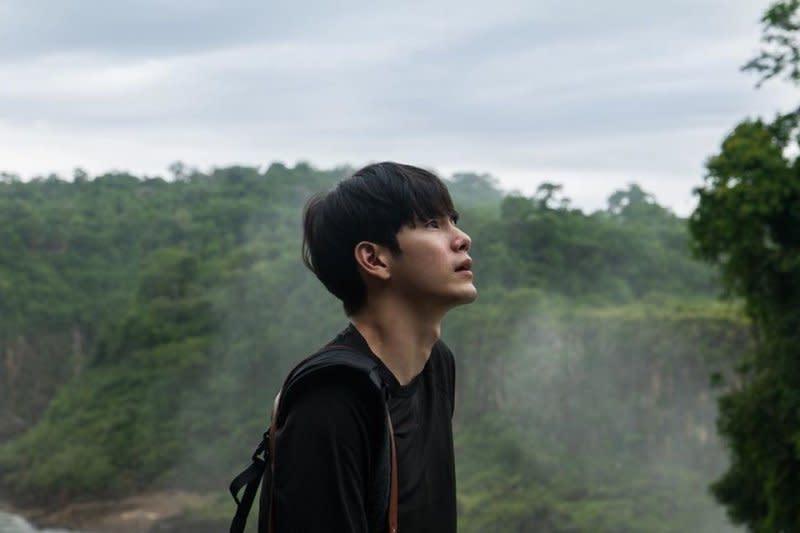 Ong Seong-wu ungkap kisah jatuh cinta pertama kali