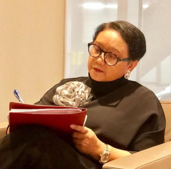 Cerita Menlu Retno yang Dikabari Jadi Nenek di Sela Kunker ke UEA