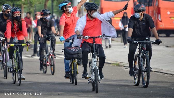 Menteri Perhubungan (Menhub) Budi Karya Sumadi dalam acara Sosialisasi Pesepeda di Jalan dan Gerakan Peduli Kesehatan 3M di BSD, Tangerang, Minggu pagi (4/10/2020). Dok Kemenhub