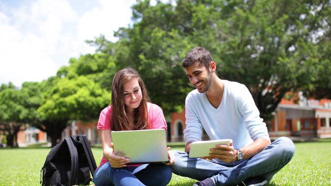 Ilustrasi mahasiswa belajar di kampus. (iStockphoto)