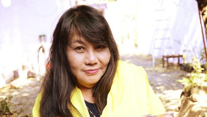 Kisah Penulis Cerpen Remaja Era 80-an yang Kini Jadi Pemilik Indekos di Yogyakarta