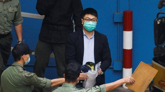 https://news.yahoo.com/hong-kong-activists-15-47-125947511.html