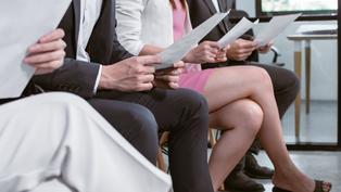 《求職大富翁》登場!7個Podcast教你求職密技 5款優惠求職神器