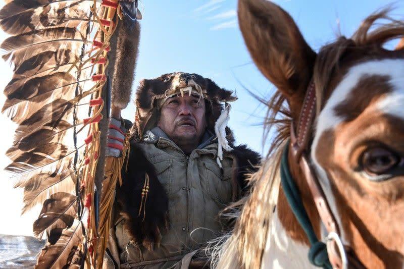 Cicit buyut komandan Wounded Knee meminta pengampunan