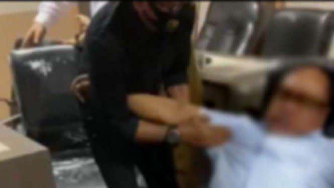 Anggota DPRD Sulsel Kolaps di Ruang Rapat lalu Meninggal Seketika