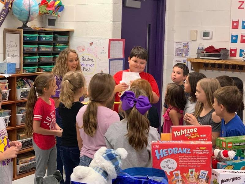 Students at Philadelphia Elementary School   Philadelphia Elementary School