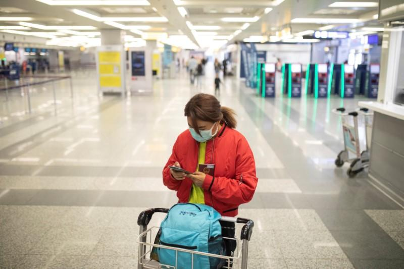 Serbia closes all border crossings, airport to curb coronavirus