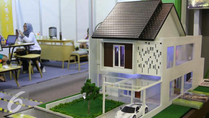 Sebuah maket perumahan di tampilkan di pameran properti di Jakarta, Kamis (8/9). Sepanjang semester I-2016, pertumbuhan KPR mencapai 8,0%, sehingga diperkirakan pertumbuhan KPR hingga semester I-2017 menjadi 11,7%. (Liputan6.com/Angga Yuniar)
