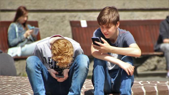 Anak-anak Indonesia Pilih Ngobrol di Internet daripada Main Game