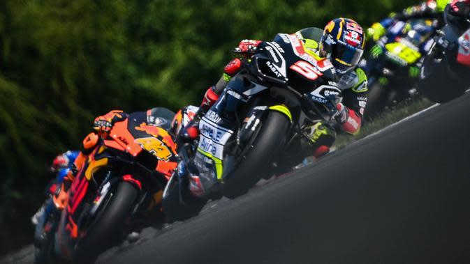 Pembalap Avintia Ducati, Johann Zarco, saat berkasi pada balapan MotoGP Republik Ceska di Sirkuit Brno, Minggu (9/8/2020). Brad Binder menjadi yang tercepat dengan catatan waktu 41 menit 38,764 detik. (AFP/Joe Klamar)